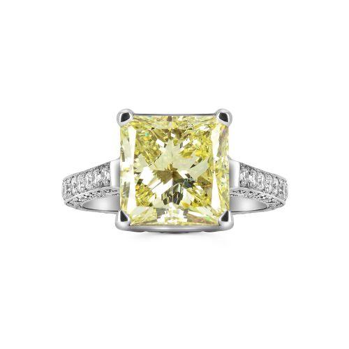 Изысканное золотое кольцо с желтым бриллиантом