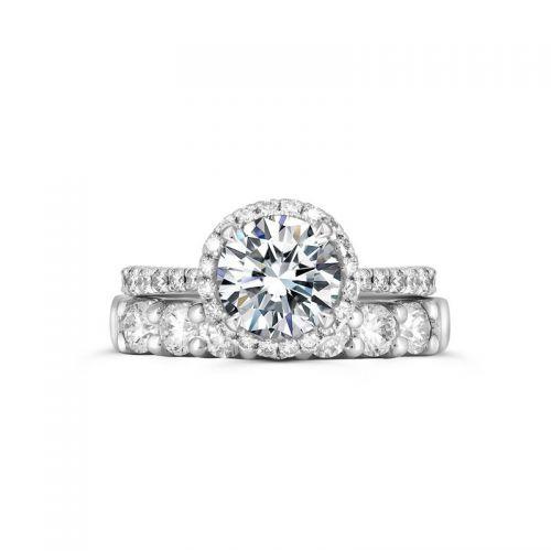 Платиновое помолвочное кольцо с бриллиантами