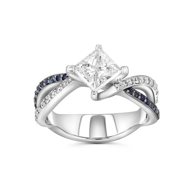 Помолвочное кольцо из белого золота с бриллиантом «Принцесса»
