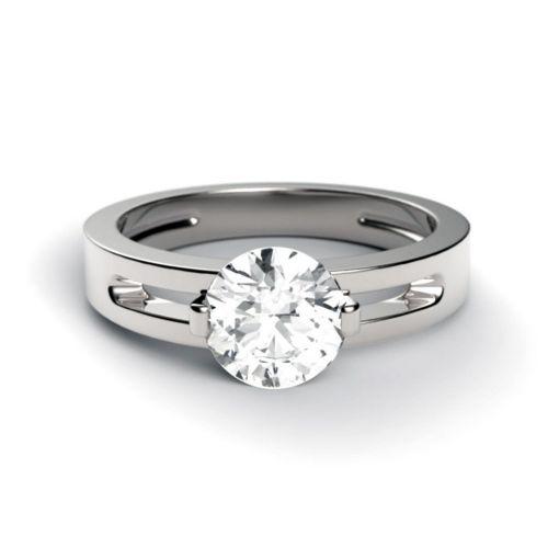 Кольцо для помолвки из белого золота с бриллиантом