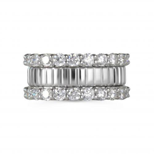 Крупное золотое кольцо с бриллиантами