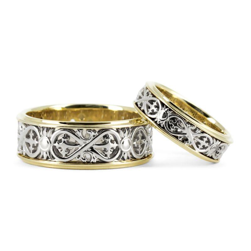 Парные обручальные кольца с узором в виде бесконечности