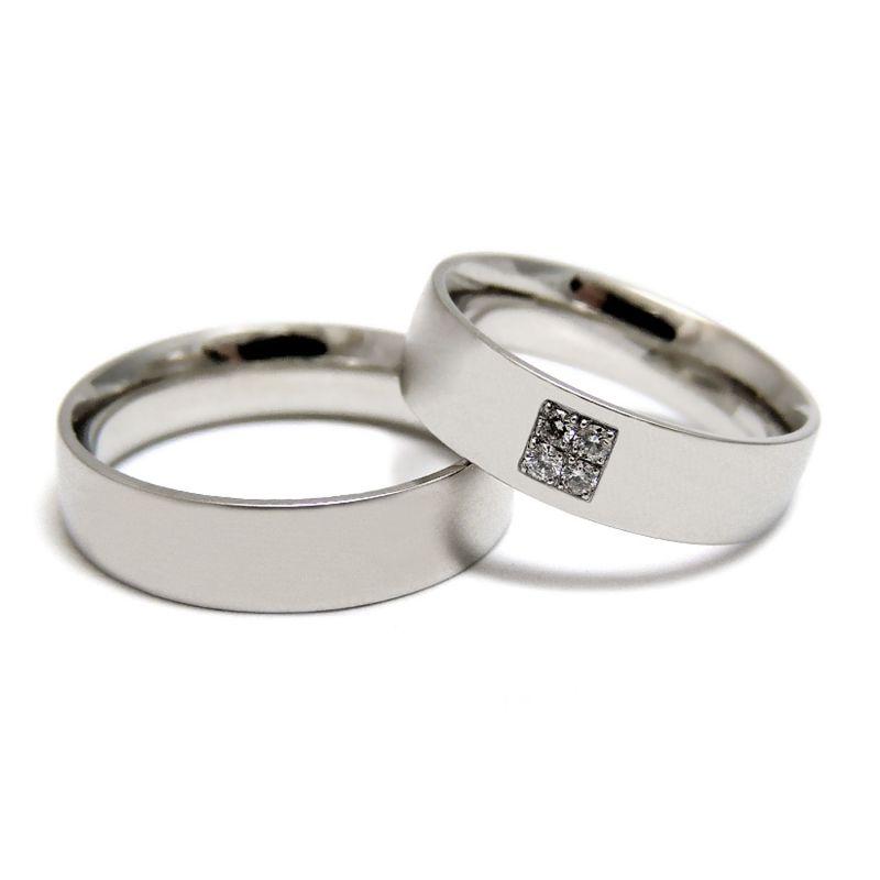 Матовые обручальные кольца с квадратным расположением бриллиантов
