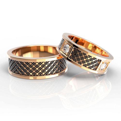 Обручальные кольца из розового золота с чернением и бриллиантами