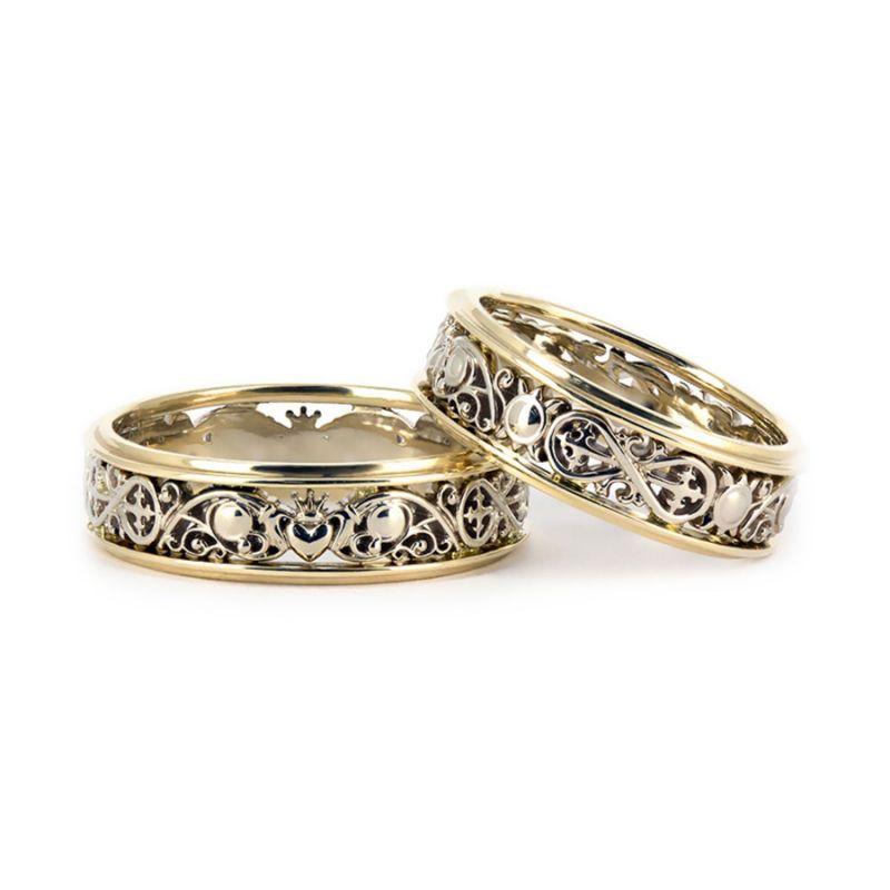 Обручальные кольца из комбинированного золота с узором кладдахских символов