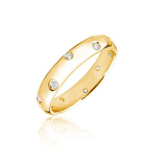 Золотое обручальное кольцо для нее с бриллиантами по всей длине ободка