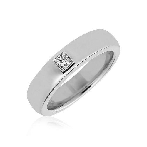 Обручальное золотое кольцо с одним бриллиантом квадратной огранки