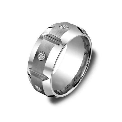 Обручальное кольцо из серебра  с бриллиантами