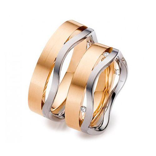 """Обручальные кольца из желтого золота и элемента """"Волна"""" из белого"""