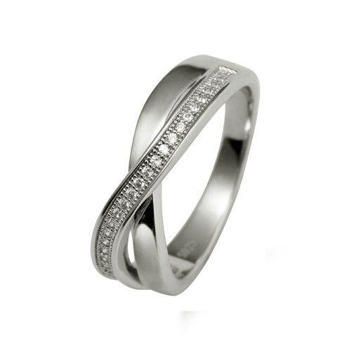 """Кольцо из белого золота с бриллиантами """"Бесконечность"""""""