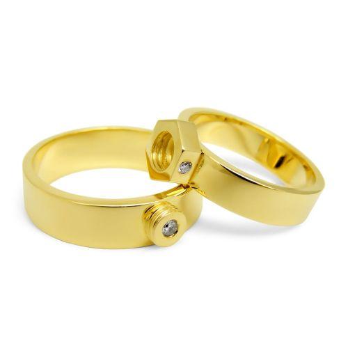 Дизайнерские обручальные кольца из желтого золота