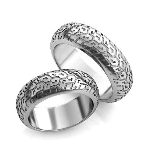Серебряные обручальные кольца в виде покрышек автомобиля