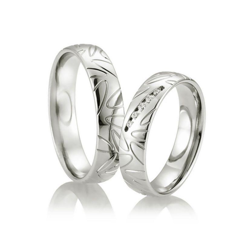 Классические обручальные кольца парные из белого золота с бриллиантами