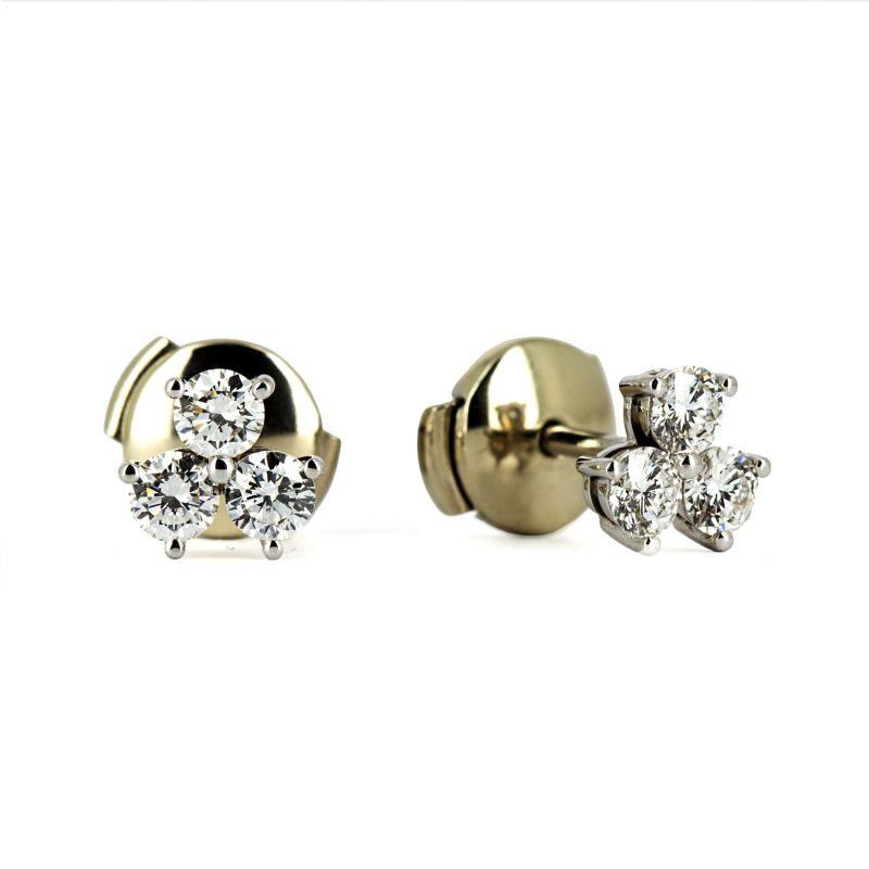 Миниатюрные серьги - пусеты из желтого золота с бриллиантами