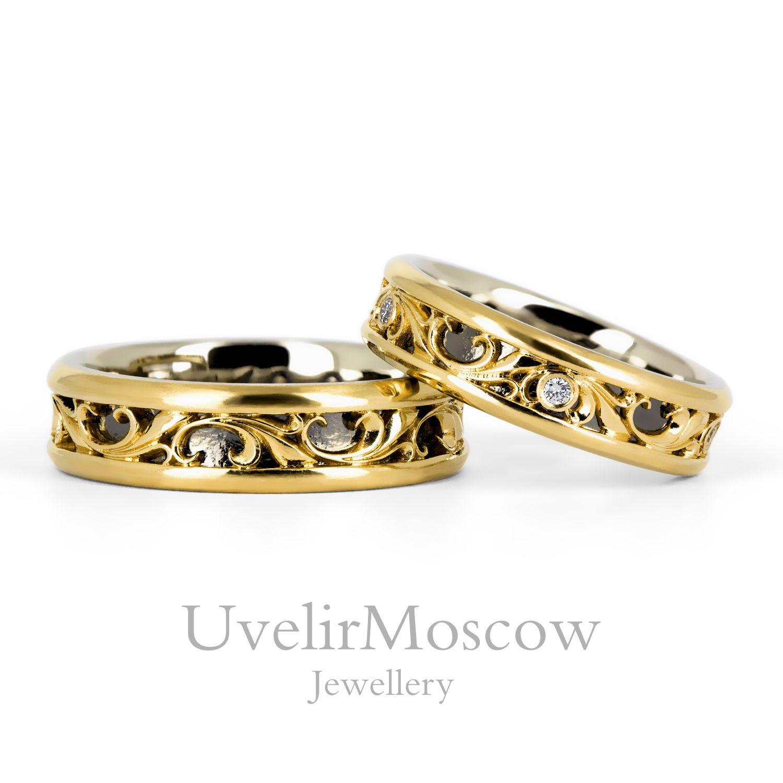28ab7c583ede Оригинальные парные обручальные кольца из комбинированного золота с  бриллиантами